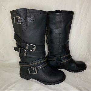 Zipper detail calf boots